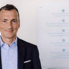 ulian Sayer, Vorstand Vertrieb, Marketing und Entwicklung bei der Continum AG